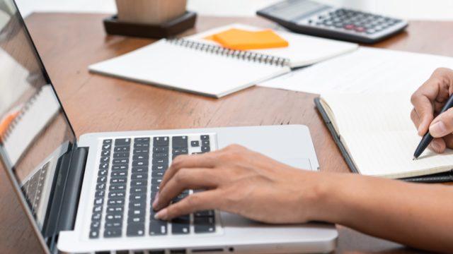 USCPAライセンスを維持・更新するために必要な継続教育(CPE)とは?